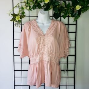 ⭐3/$20 Pink Lace Flowy Top Large